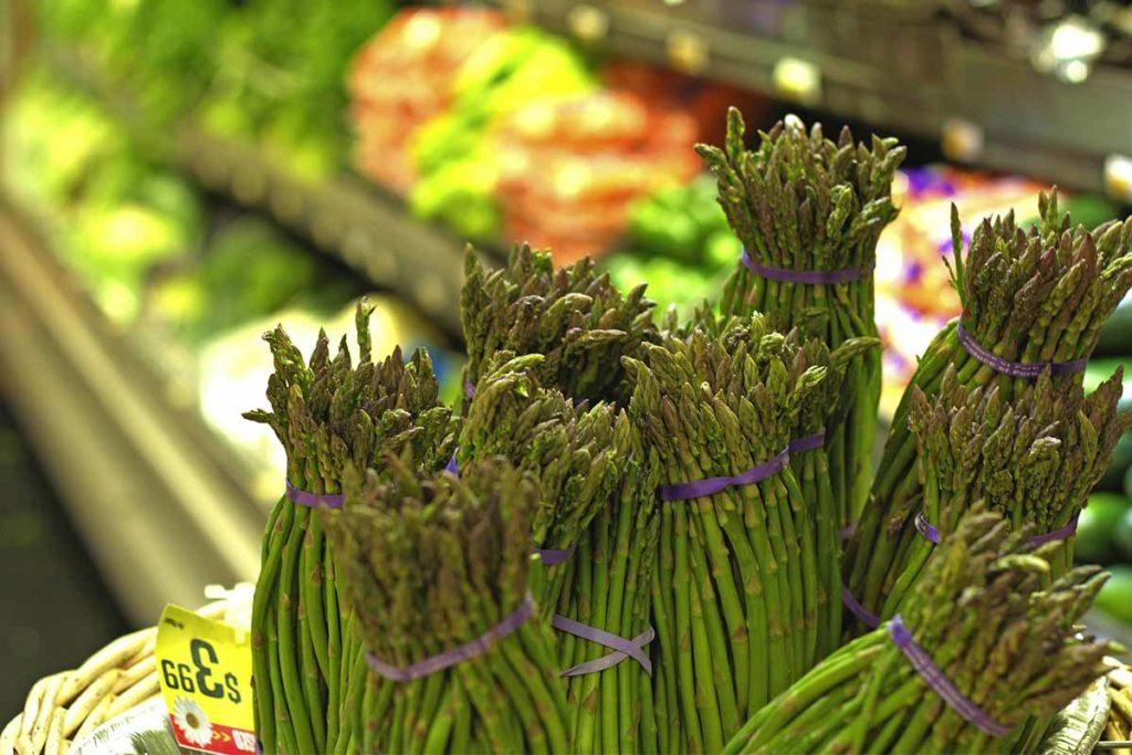 asparagi selvatici ristorante vegetariano